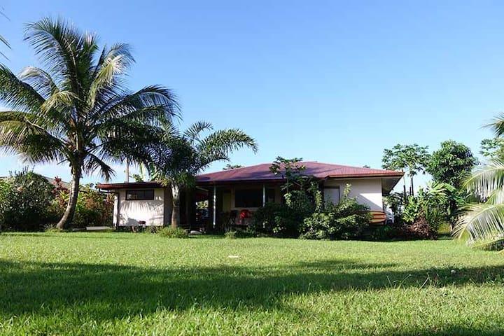 Belle maison vue sur baie Phaeton - Taravao - House
