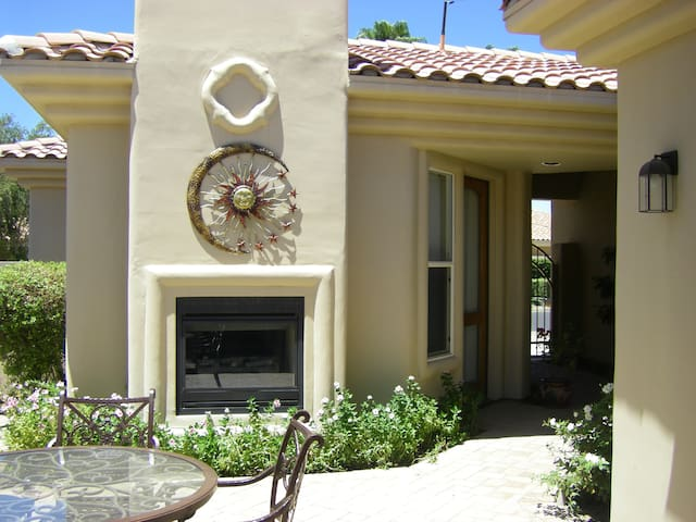 EXQUISITIVE Private Detached Casita in PGA West - ลาควินตา - บ้าน