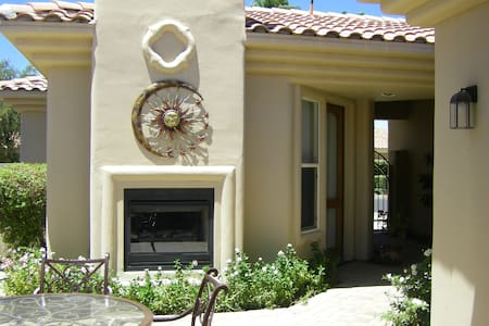 EXQUISITIVE Private Detached Casita in PGA West - La Quinta - Hus