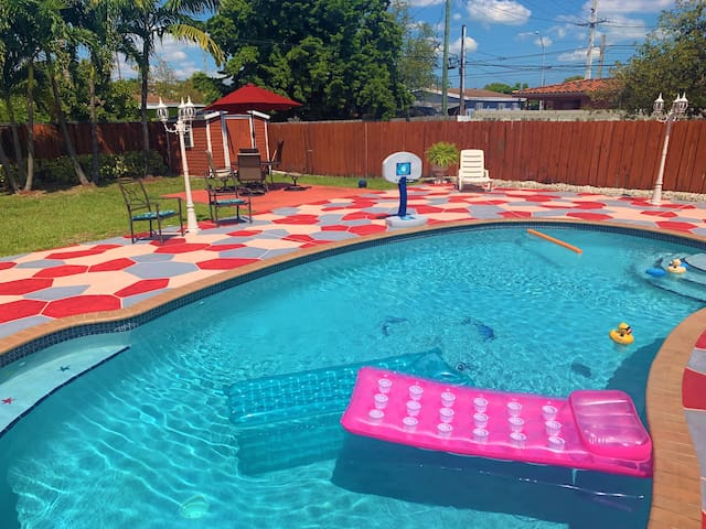 Pool Miami🌴 Villa , Close to MIA Airport🐬⚓️