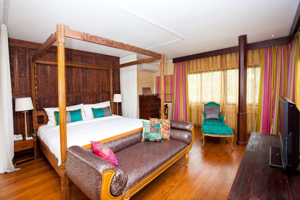 Master bedroom-King Bedsize