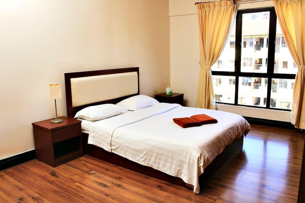 3Bedroom City View Apartment-Master Bedroom