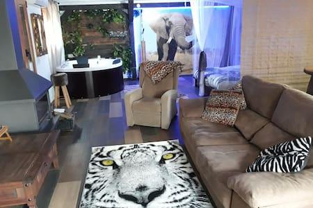 Posada de África jacuzzi y chimenea