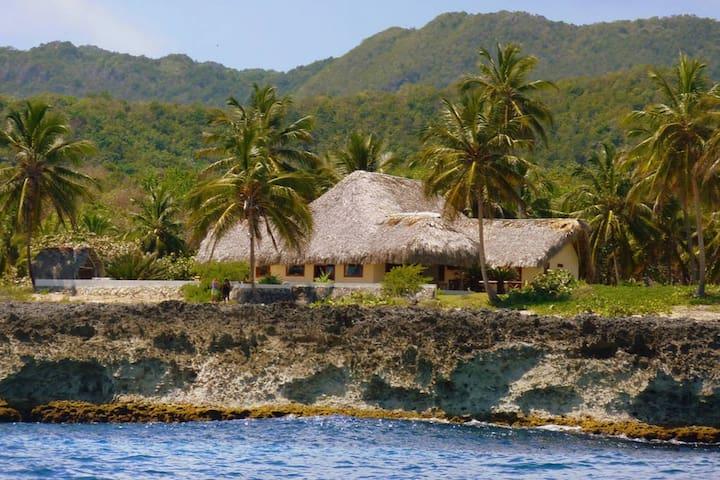 Villa Punta Coral, sleeps 8