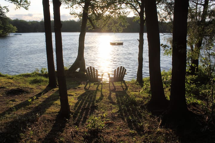 Modern Lakefront Home~Church Pond - Saranac Lake - House