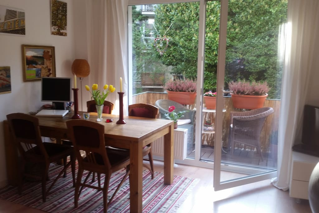 quite apartment downtown close fair apartments for rent in k ln nordrhein westfalen germany. Black Bedroom Furniture Sets. Home Design Ideas