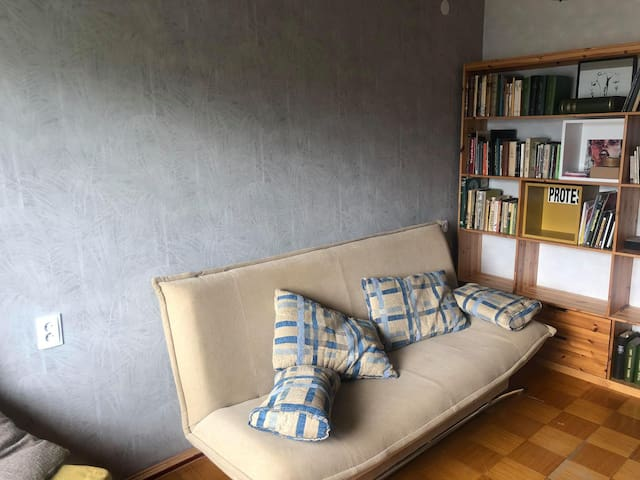 Meet local life in cosy appartment near center