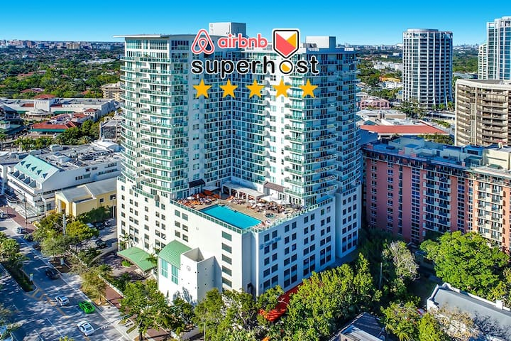 101113  Lovely City View Unit in Coconut Grove