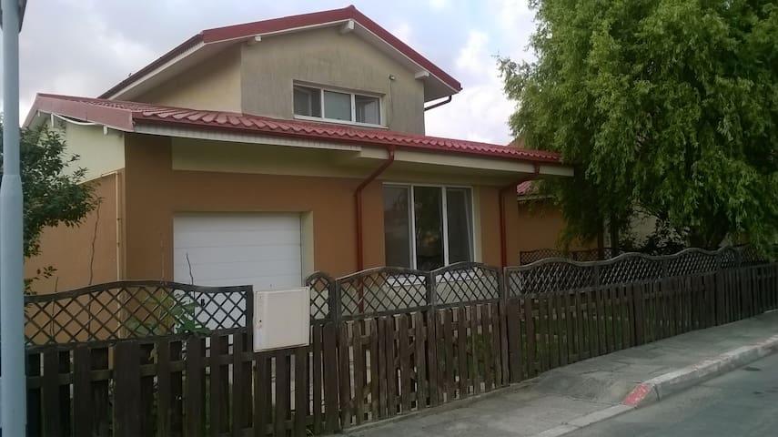 Grande maison proche de Constanta - Cumpăna - House
