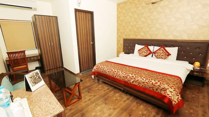 A Home Away From Home! Central New Delhi