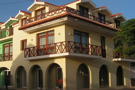 Top Floor Apartment just across from the beach - Santa Maria - Apartemen