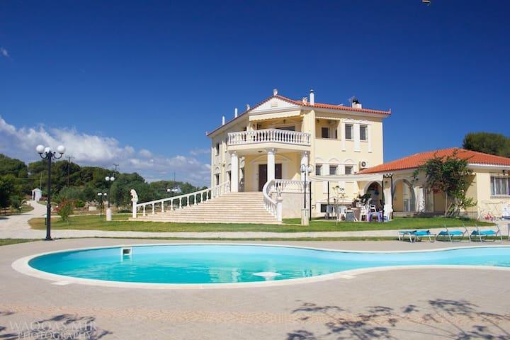 Luxurious 500m2 Villa Asklipia