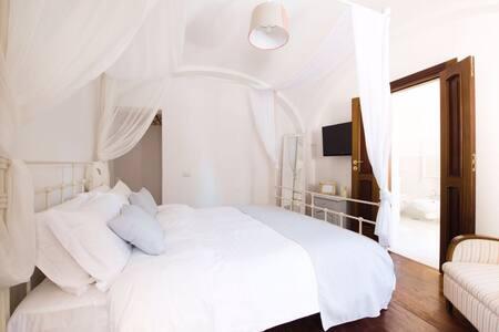 Camera privata con baldacchino all white - Sant'AGATA SUI DUE GOLFI - Bed & Breakfast