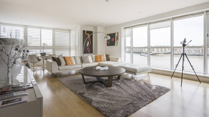 River View 2-Bed Apt in Canary Wharf