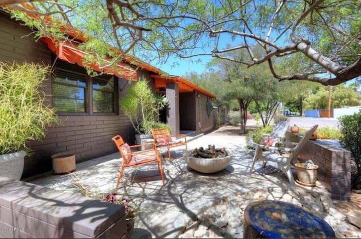 Desert Modern Living