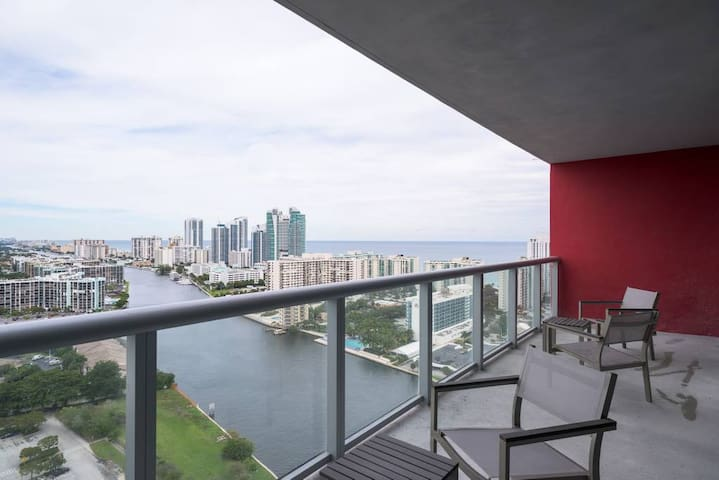 BEACHWALK - High Floor - BIG APART - 1 bed/1 bath