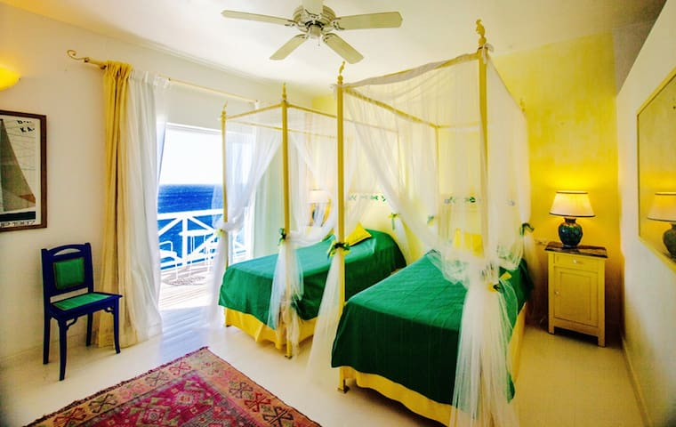 NEVIS Twin bed-Dolcevita Cliff Resort by KlabHouse