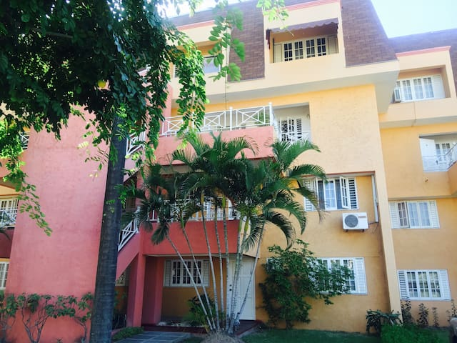 Kingston, Gated - 2 Bedroom home 24 hr security. - Kingston - Wohnung