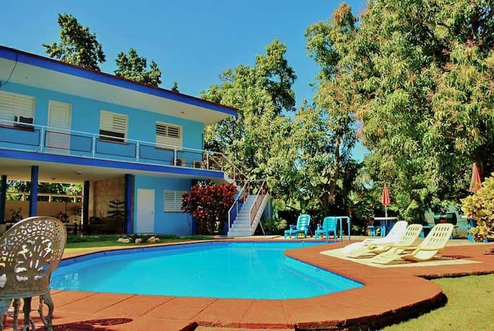 Enjoy the magic! 4BR Villa with pool in Siboney