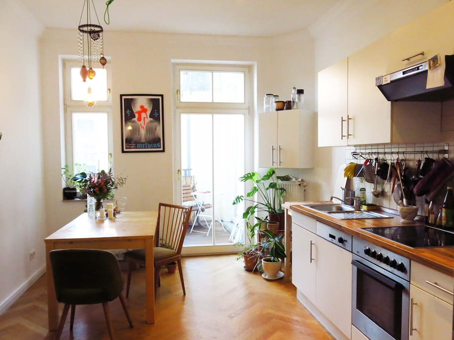 Spacious, cosy and fully equipped modern kitchen.
