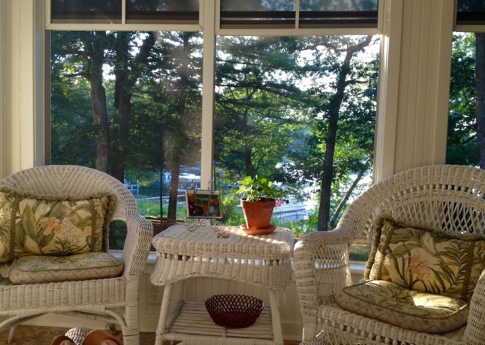 Sunny screen porch!