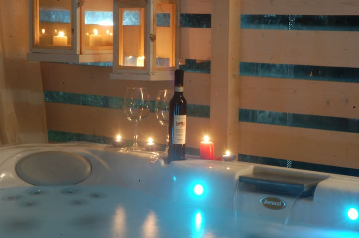 BnB FalcoBianco in Montefalco/ Wine&Jacuzzi