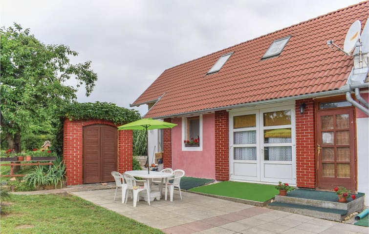 Semi-Detached with 1 bedroom on 33m² in Baltonlelle
