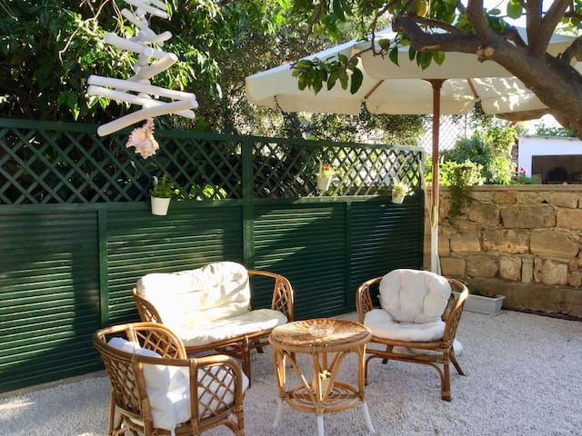 Chez  Athena/ Vacation Home for 6 in Chania