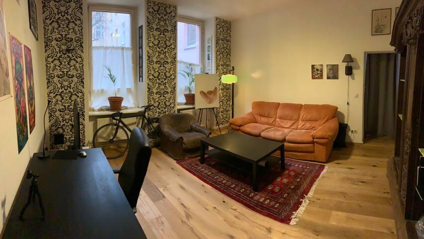 Nice big room in the heart of Neukölln