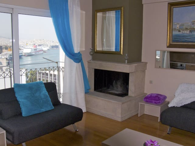 Luxury 2-Bdrm Maisonette with Sea View in Piraeus