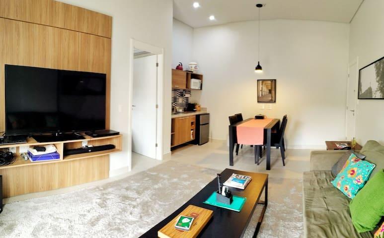 Apartamento salasuíte com varanda Granja Brasil P1