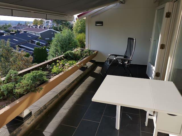 Yt & Nyt, Holmenkollen