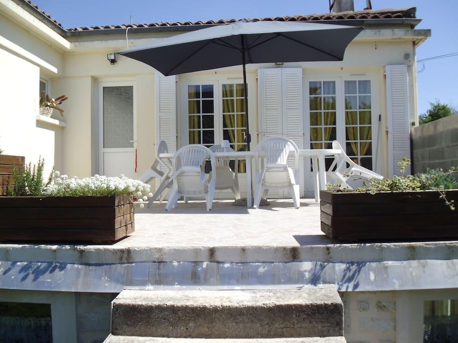 entree avec terrasse