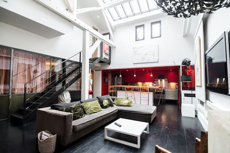 Beautiful loft in the 11th - 4pax - 2 bedrooms - París