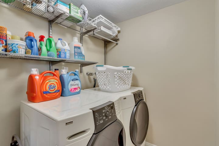Laundry w/front loaders
