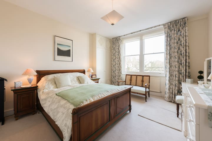 Well located period Flat near the River, Fulham - Londres - Apartamento