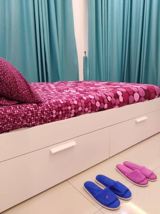 1st bed with bathroom, queen bed, wardrobe, aircond