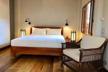 Private room @ Peninsula villas