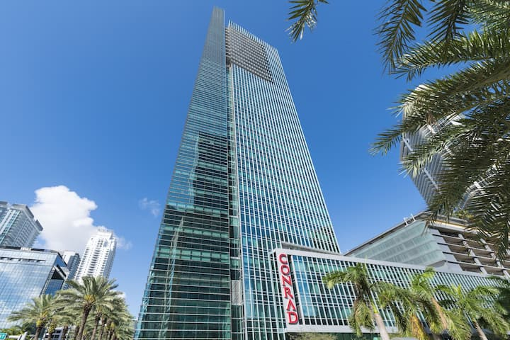 Conrad CondoHotel 28fl Brickell with free Parking