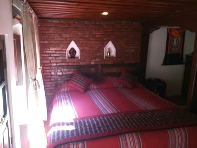 Traditional(PH:98OE8OE172) home