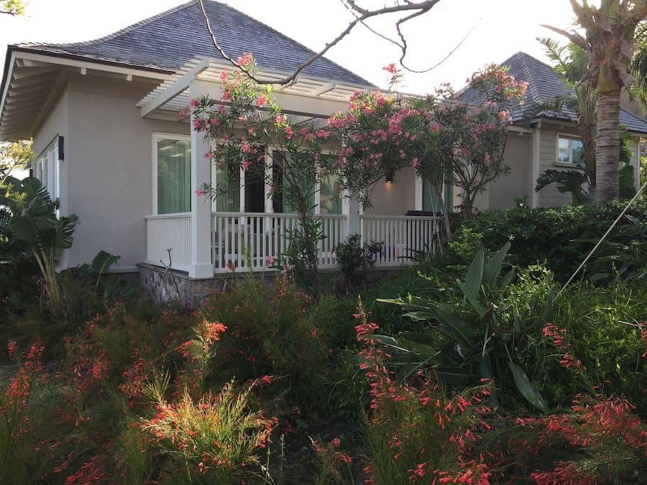 Double view bungalow style villa