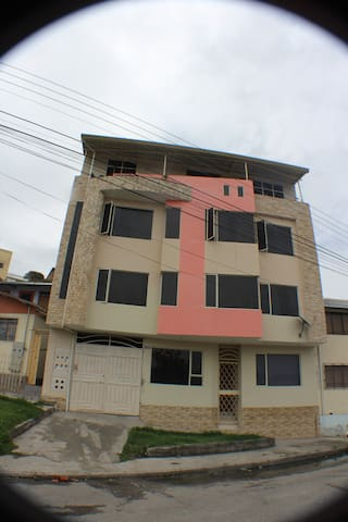 Fully furnished 3 bedroom apartment - Loja - Apartment