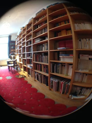 Sleeping with the Books - Leipzig - Bed & Breakfast