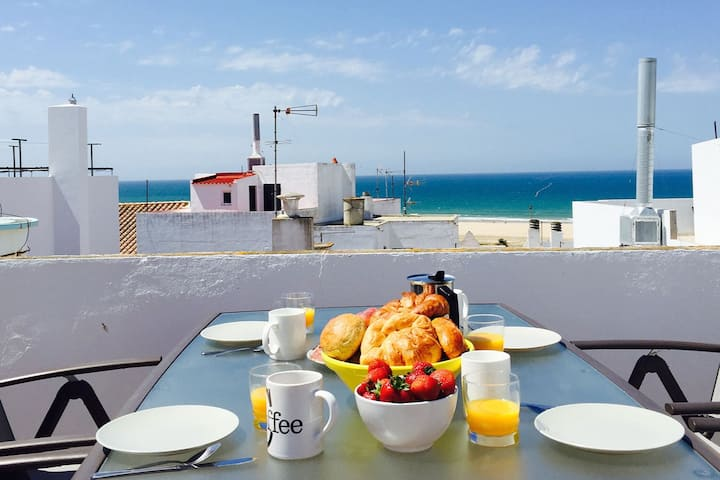 Conil town house with roof terrace and nice views