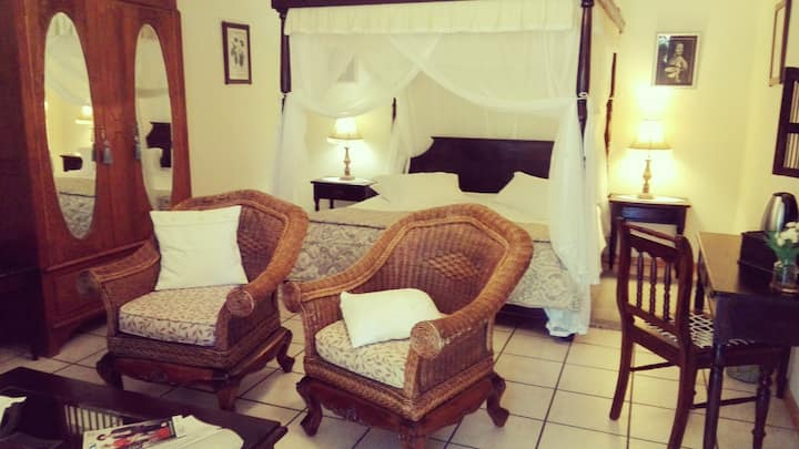 Saxe-Coburg Lodge - Victoria Room
