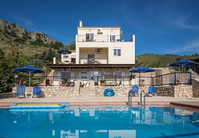 Villa Seharo 30% DISCOUNT for April & May - Chania