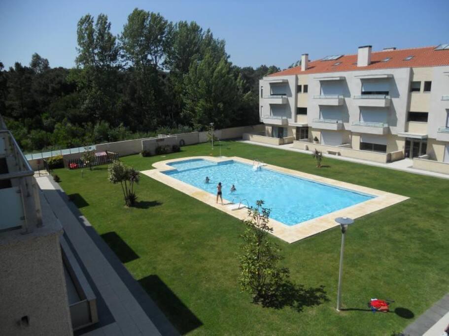 Résidence avec piscine privée non chauffée.
