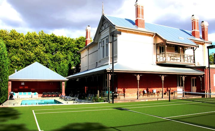 Unley Park - Luxury Heritage Accommodation