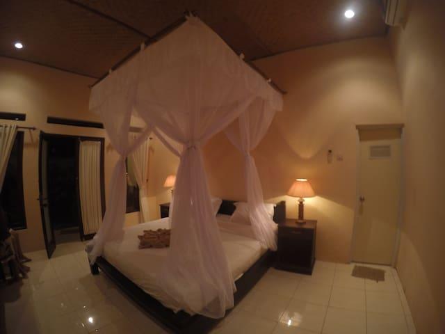 La Bella Guest House Deluxe Room AC
