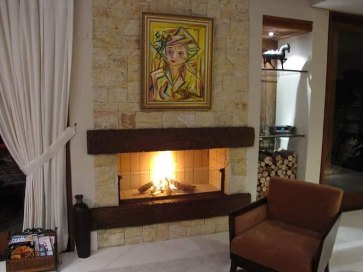 Luxosa Casa em Condomínio de Alto Padrão - Casa 1